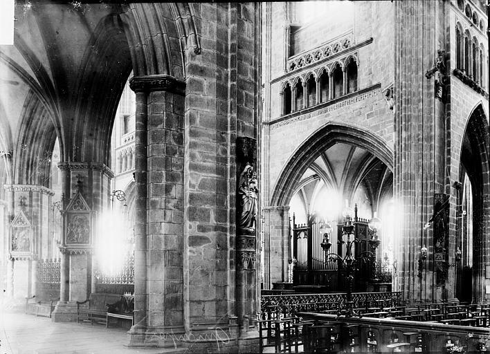 Cathédrale Saint-Corentin Intérieur: vue diagonale, Enlart, Camille (historien),