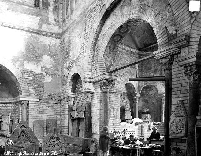 Baptistère Saint-Jean Intérieur, Robert, Paul (photographe),
