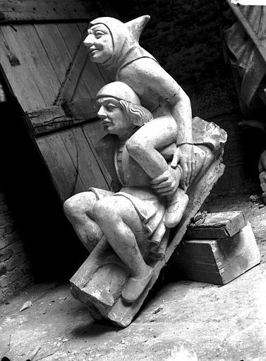 Cathédrale Notre-Dame Pignon du bras nord du transept, figures de rampants, restauration, Lajoie, Abel,