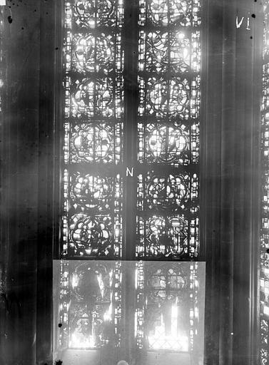 Cathédrale Notre-Dame Chapelles du choeur, vitrail N, Gaudin,