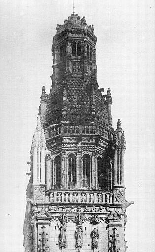 Cathédrale Saint-Gatien Clocher sud : partie supérieure, ,
