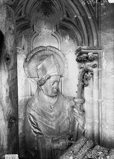 Cathédrale Notre-Dame Buste d'évêque, contrefort, tour sud, Lajoie, Abel,