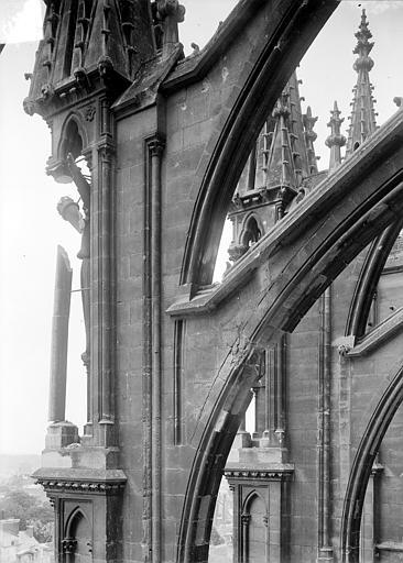 Cathédrale Notre-Dame Façade sud : Arc-boutant, Sainsaulieu, Max (photographe),