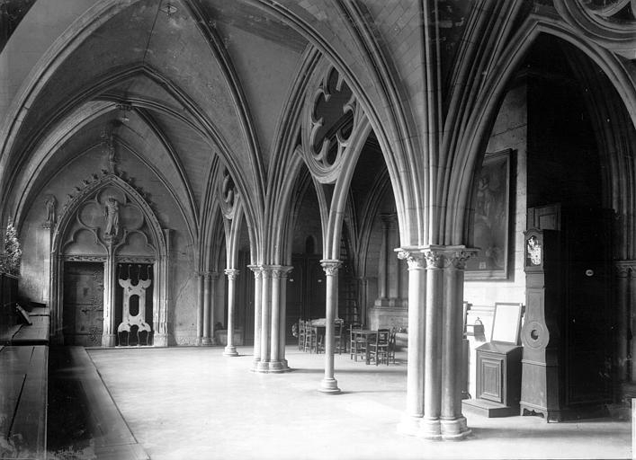 Cathédrale Notre-Dame Intérieur, Enlart, Camille (historien),