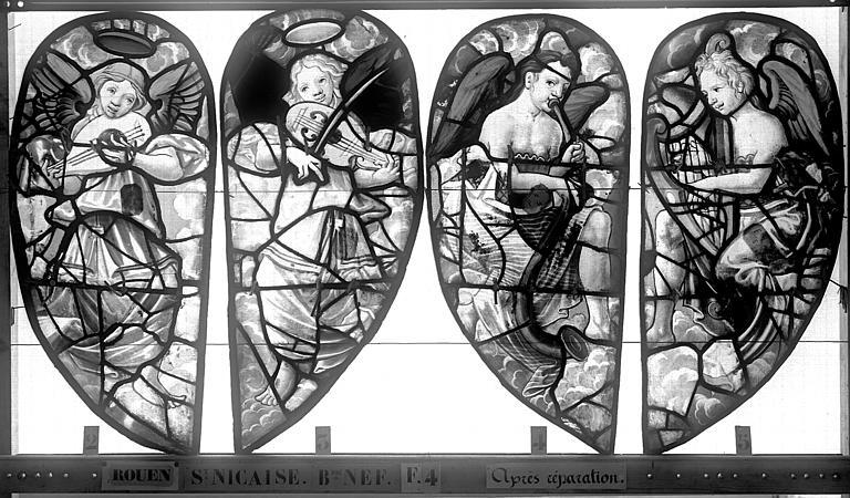 Eglise Saint-Nicaise Vitrail, fenêtre 4, bas-côté nord, écoinçons du tympan, Heuzé, Henri (photographe),