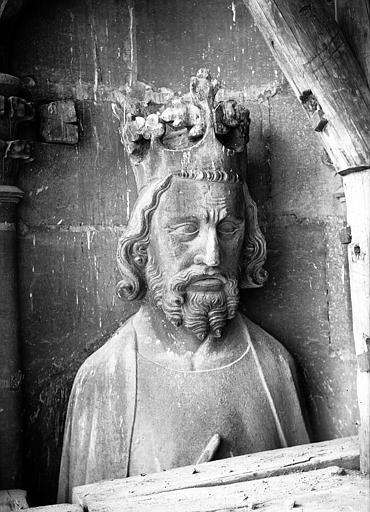 Cathédrale Notre-Dame Buste de roi, galerie de la tour sud, Lajoie, Abel,