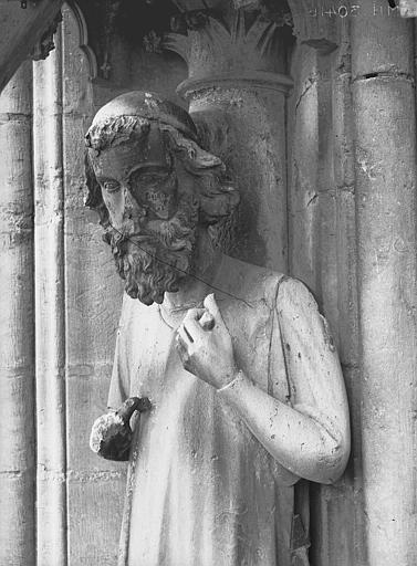 Cathédrale Notre-Dame Bras nord du transept, statue d'Adam, buste, Lajoie, Abel,