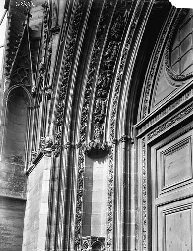 Chapelle Piédroit et archivolte du portail, Enlart, Camille (historien),