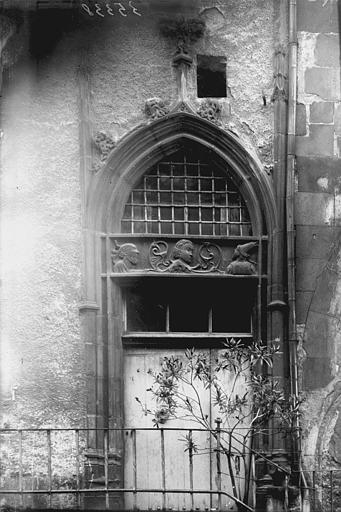 Hôtel Mallet de Vendègre ou Maison du Bailli Porte, Enlart, Camille (historien),
