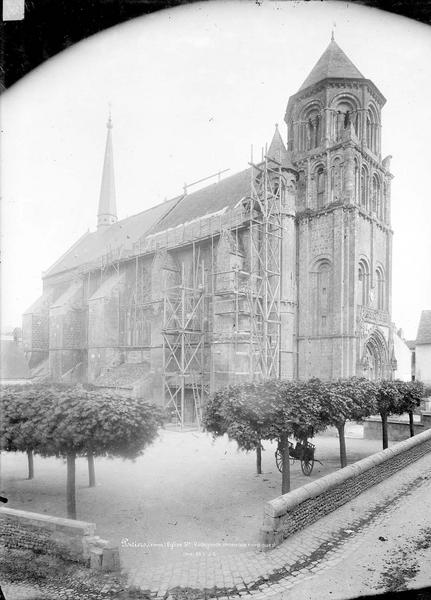 Eglise Sainte-Radegonde Vue d'ensemble nord-ouest, Durand, Eugène (photographe),
