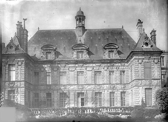 Hôtel de Ville Façade sur le jardin, Vercollier (abbé),