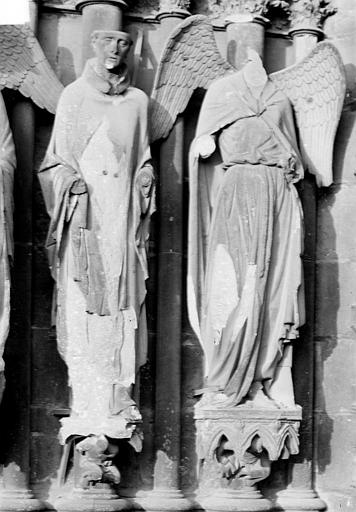 Cathédrale Notre-Dame Portail nord de la façade ouest. Ebrasement gauche : Statues de saint Nicaise et de l'ange au sourire, Sainsaulieu, Max (photographe),