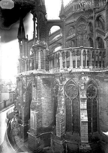 Cathédrale Notre-Dame Chapiteau et arcs-boutants du choeur, Lajoie, Abel,