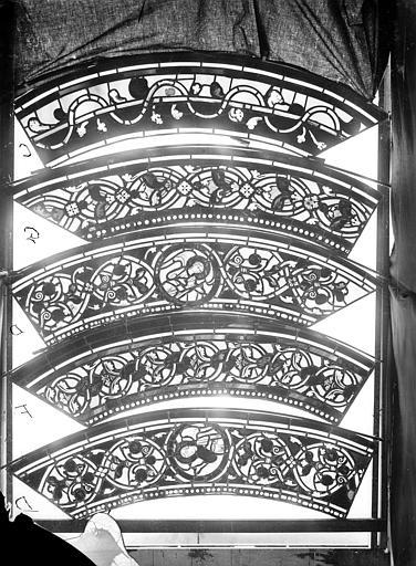 Cathédrale Saint-Jean Vitrail des Rois mages : Fragment de bordure avec ornements, ,