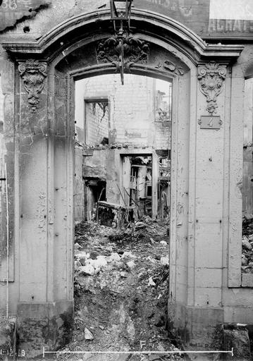 Maison Porte Louis XV, Verneau, G.,