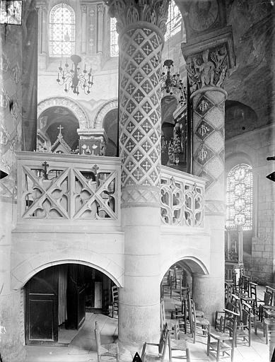 Eglise Sainte-Radegonde Vue intérieure du déambulatoire, côté sud, Gossin (photographe),