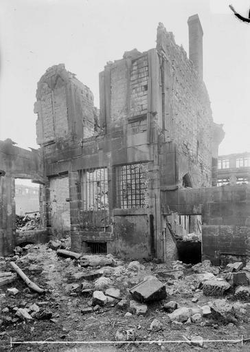 Maison Ruines, fenêtre gothique, Verneau, G.,