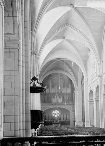 Cathédrale Notre-Dame-de-l'Assomption Nef, vue du choeur, Durand, Georges (photographe à Amiens),
