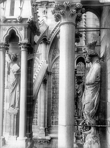 Cathédrale Notre-Dame Statue de roi dit Pépin et dernier ange du contrefort, au sud, Lajoie, Abel,