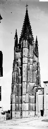 Cathédrale Saint-Pierre (ancienne) Clocher, Enlart, Camille (historien),