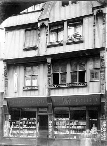 Librairie , Enlart, Camille (historien),
