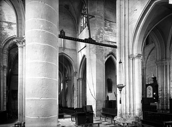 Eglise Saint-Lucien Vue intérieure de la croisée, Durand, Eugène (photographe),