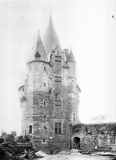 Château Tour Saint-Laurent, Durand, Jean-Eugène (photographe),
