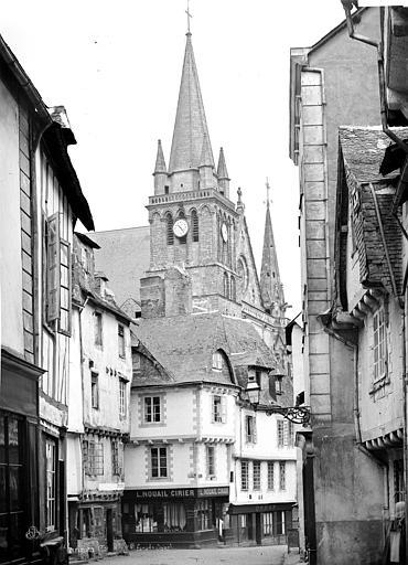 Cathédrale Saint-Pierre Clocher, pris d'une rue, côté nord-ouest, Mieusement, Médéric (photographe),
