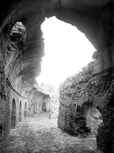 Amphithéâtre Vue intérieure d'une galerie, Mieusement, Médéric (photographe),