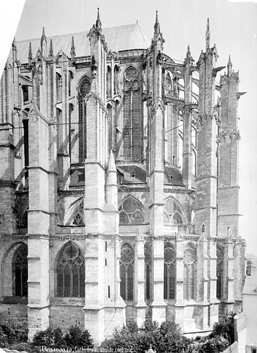Cathédrale Saint-Pierre Abside, côté sud, Mieusement, Médéric (photographe),