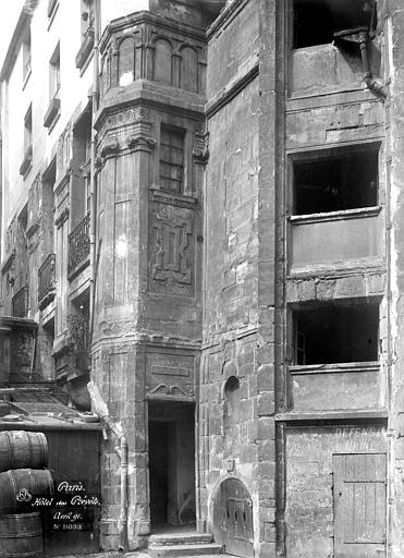 Hôtel des Prévôts Tourelle d'escalier, Durand, Eugène (photographe),