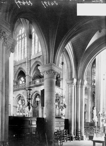 Cathédrale (ancienne) Transept, vue diagonale, Heuzé, Y.,