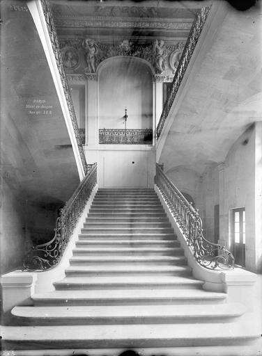 Hôtel de Juigné Escalier, face, Durand, Eugène (photographe),