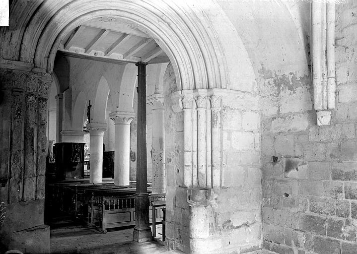 Eglise Porche et nef, Enlart, Camille (historien),
