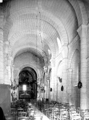 Eglise Saint-Jean-Baptiste Vue intérieure de la nef vers le choeur, Mieusement, Médéric (photographe),
