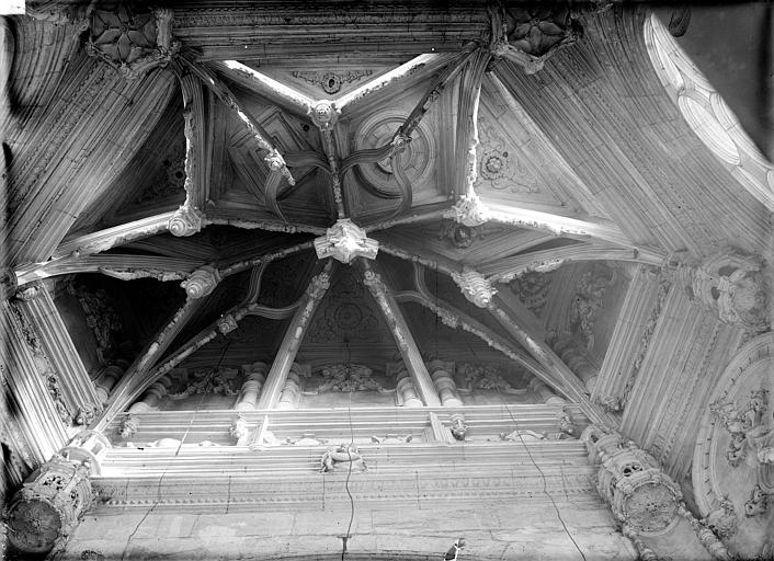 Eglise Saint-Pierre Chapelle de la Vierge : Voûte (vue verticale), Durand, Jean-Eugène (photographe),