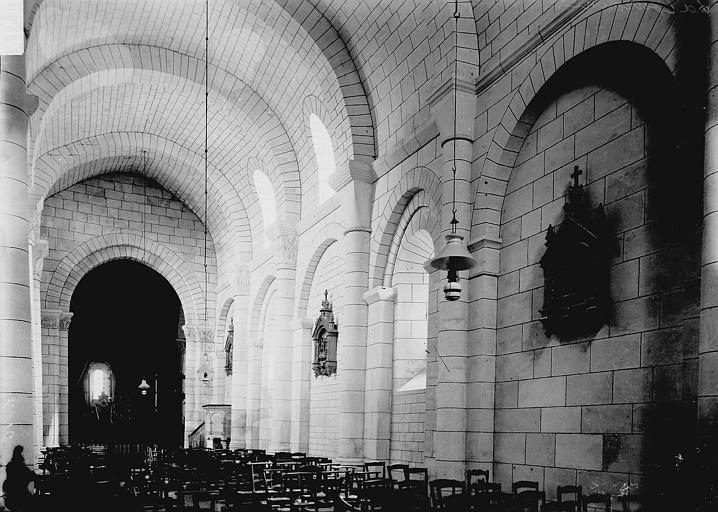 Eglise Saint-Jean-Baptiste Nef vue de l'entrée, Enlart, Camille (historien),