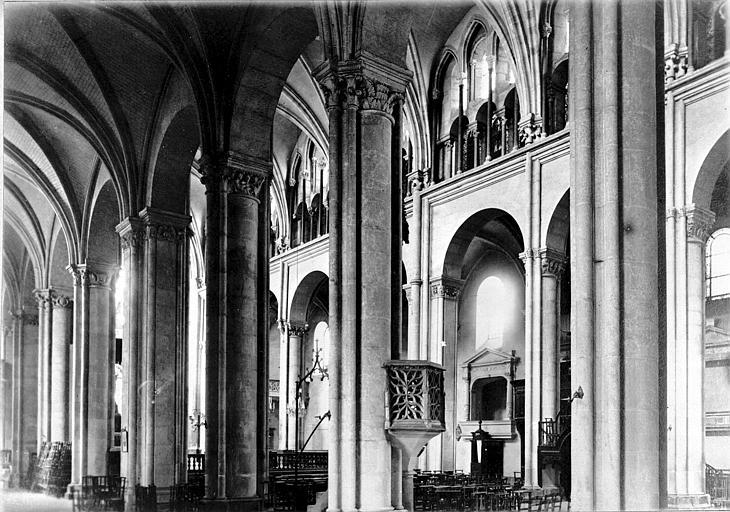Cathédrale Saint-Jean et Saint-Etienne Nef, Enlart, Camille (historien),