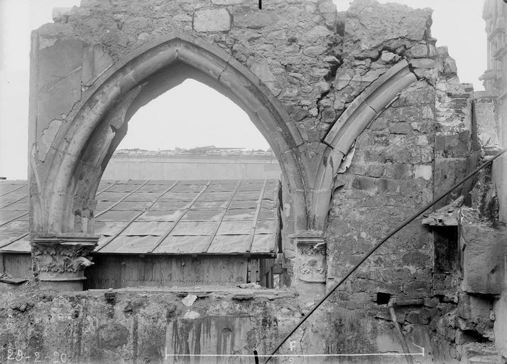 Abbaye Saint-Remi (ancienne) ou ancien Hôtel-Dieu Salle capitulaire, arcature, Verneau, G.,