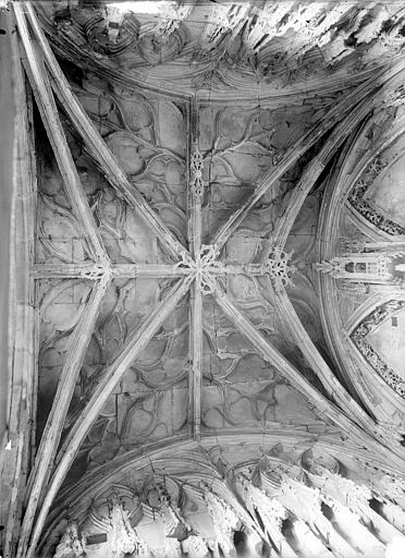 Eglise de Saint-Etienne-le-Vieux (ancienne) Vue intérieure du porche : Voûte (vue verticale), Durand, Jean-Eugène (photographe),