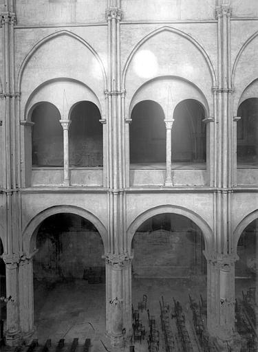 Eglise Saint-Remi Vue intérieure de la nef : grades arcades et tribune, Durand, Jean-Eugène (photographe),