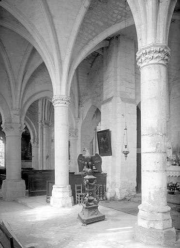 Eglise Saint-Gervais Vue intérieure du bas-côté nord et de la nef, vers le sud-est, Durand, Jean-Eugène (photographe),
