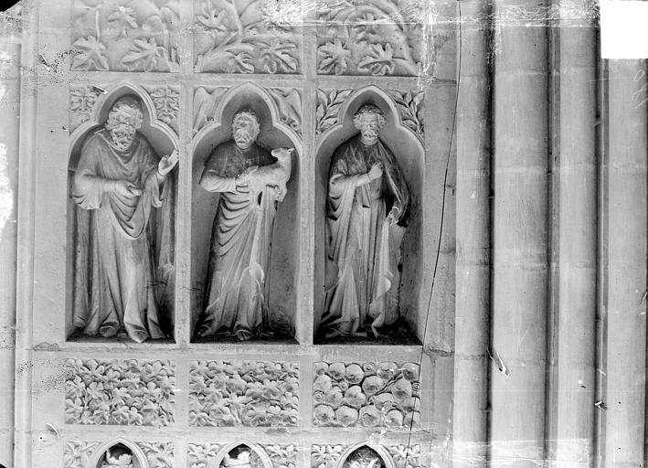Cathédrale Revers du grand portail de la façade ouest, côté droit, quatrième registre, Sainsaulieu, Max (photographe),
