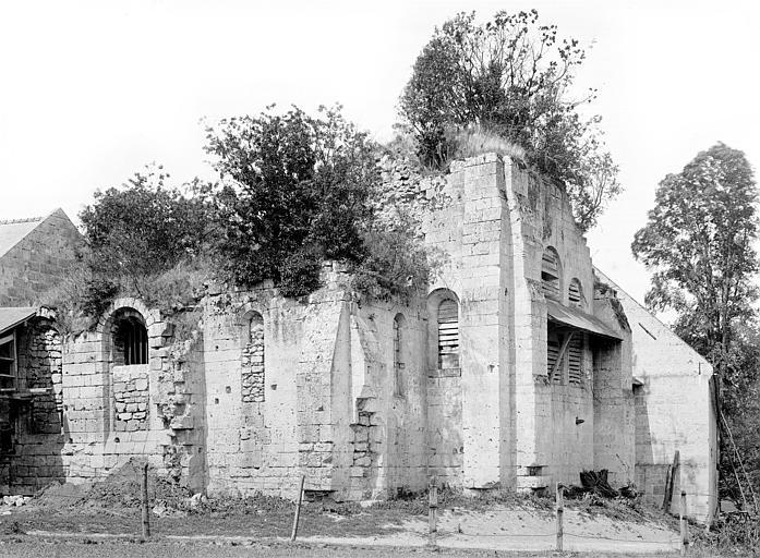 Prieuré de Bellefontaine (restes) Eglise : Abside, côté sud-est, Durand, Jean-Eugène (photographe),