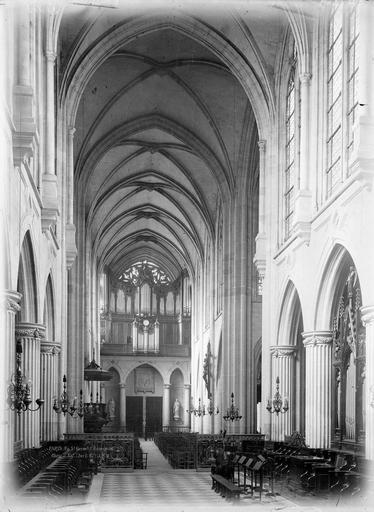 Eglise Saint-Germain-l'Auxerrois Nef, vue du choeur, Durand, Eugène (photographe),