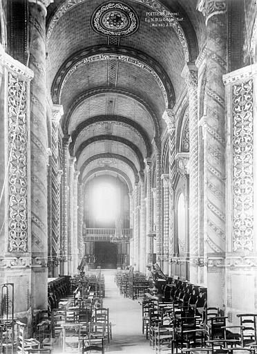 Eglise Notre-Dame-la-Grande Nef, vue du choeur, Durand, Eugène (photographe),
