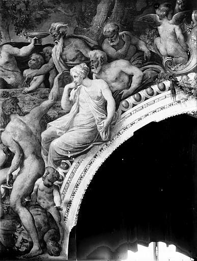 Domaine national, château Peintures murales de la galerie Henri II, partie droite du groupe de Bacchus, Service photographique,