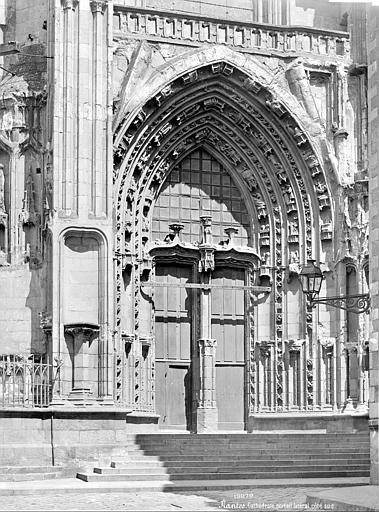 Cathédrale Saint-Pierre Portail de la façade sud, Mieusement, Médéric (photographe),