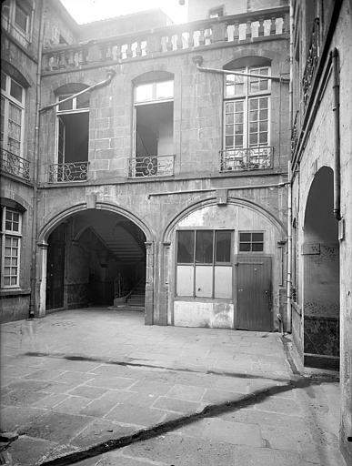 Hôtel de Ribeyre Cour intérieure : Façade, Lefèvre-Couton (photographe),