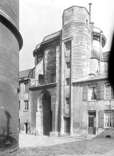 Château de Vincennes Entrée est, côté intérieur, Durand, Jean-Eugène (photographe),